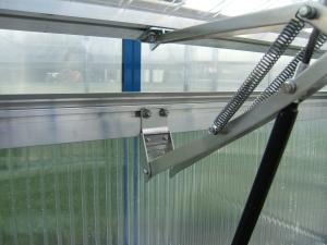 Dachfenster und automatische Dachfensterheber